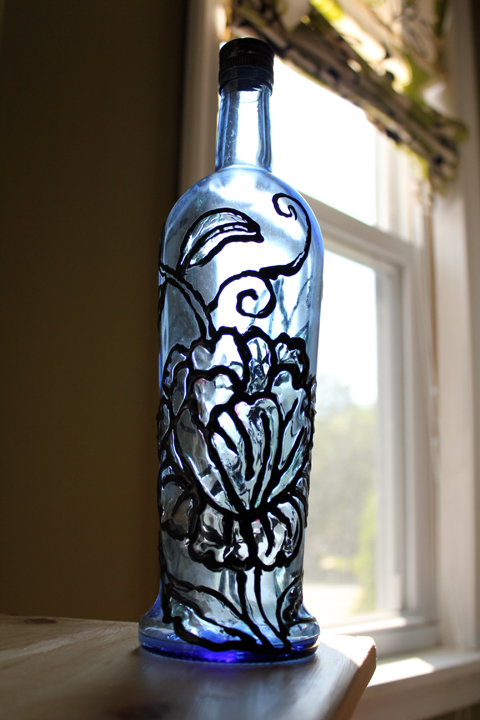 how to paint wine bottles to look like stained glass