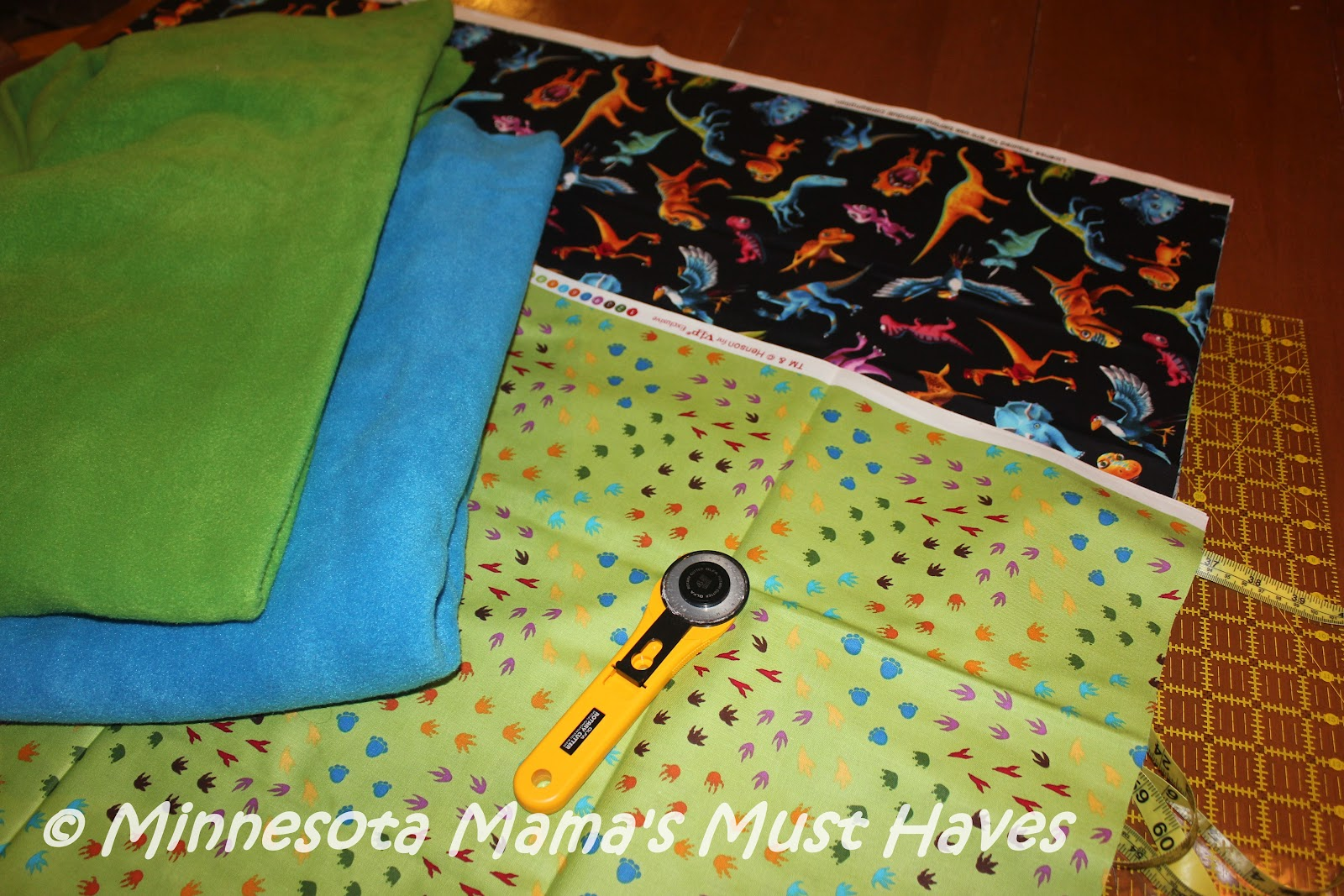 DIY Pillowcase Tutorial Easy Pillowcase With No Seams Showing