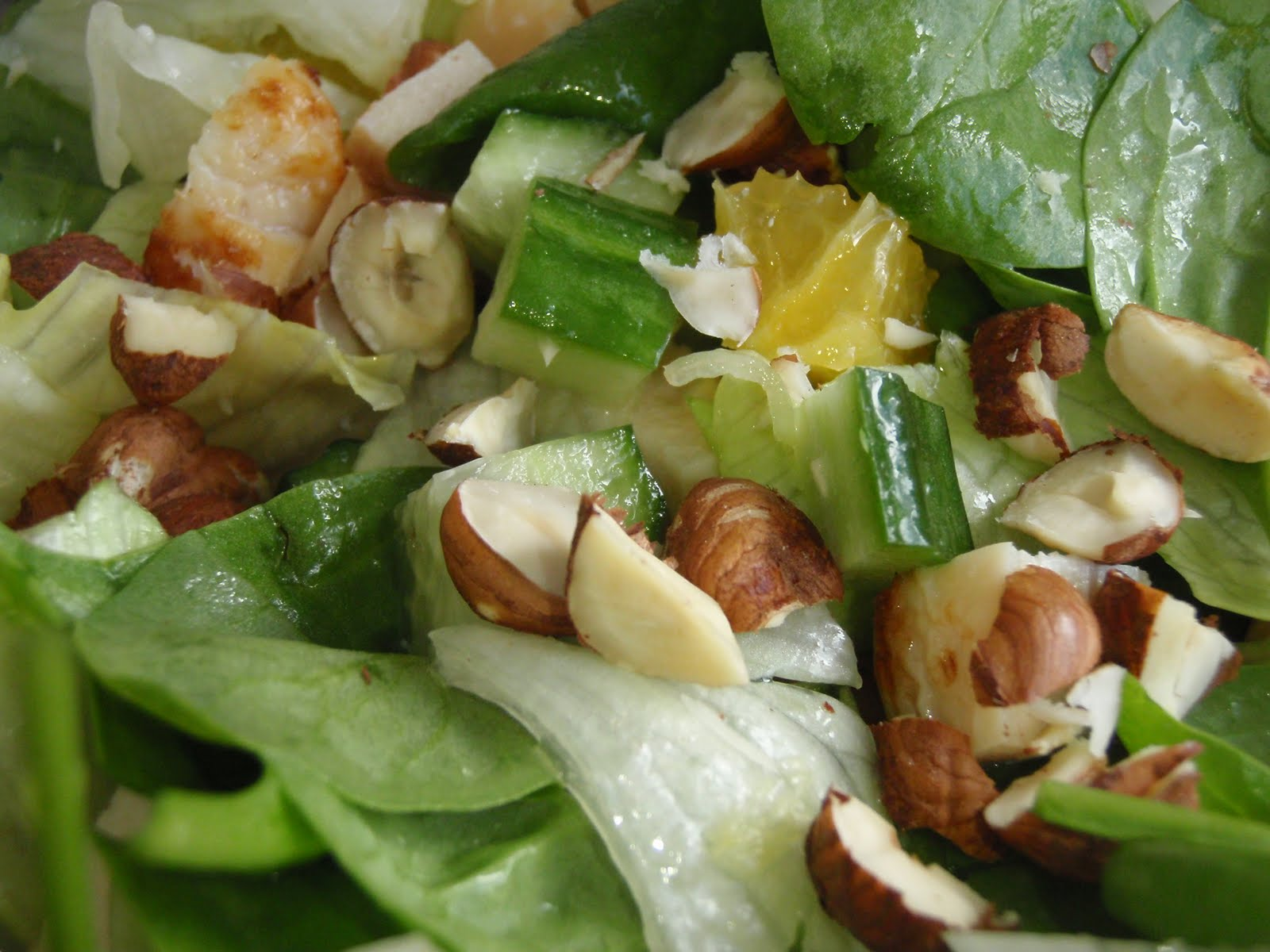 salat med appelsin og nødder