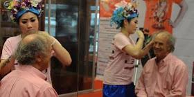 menampar wajah cara wanita thailand hilangkan kerutan Plak !!! Mau Awet Muda? Harus Sering Ditampar, deh