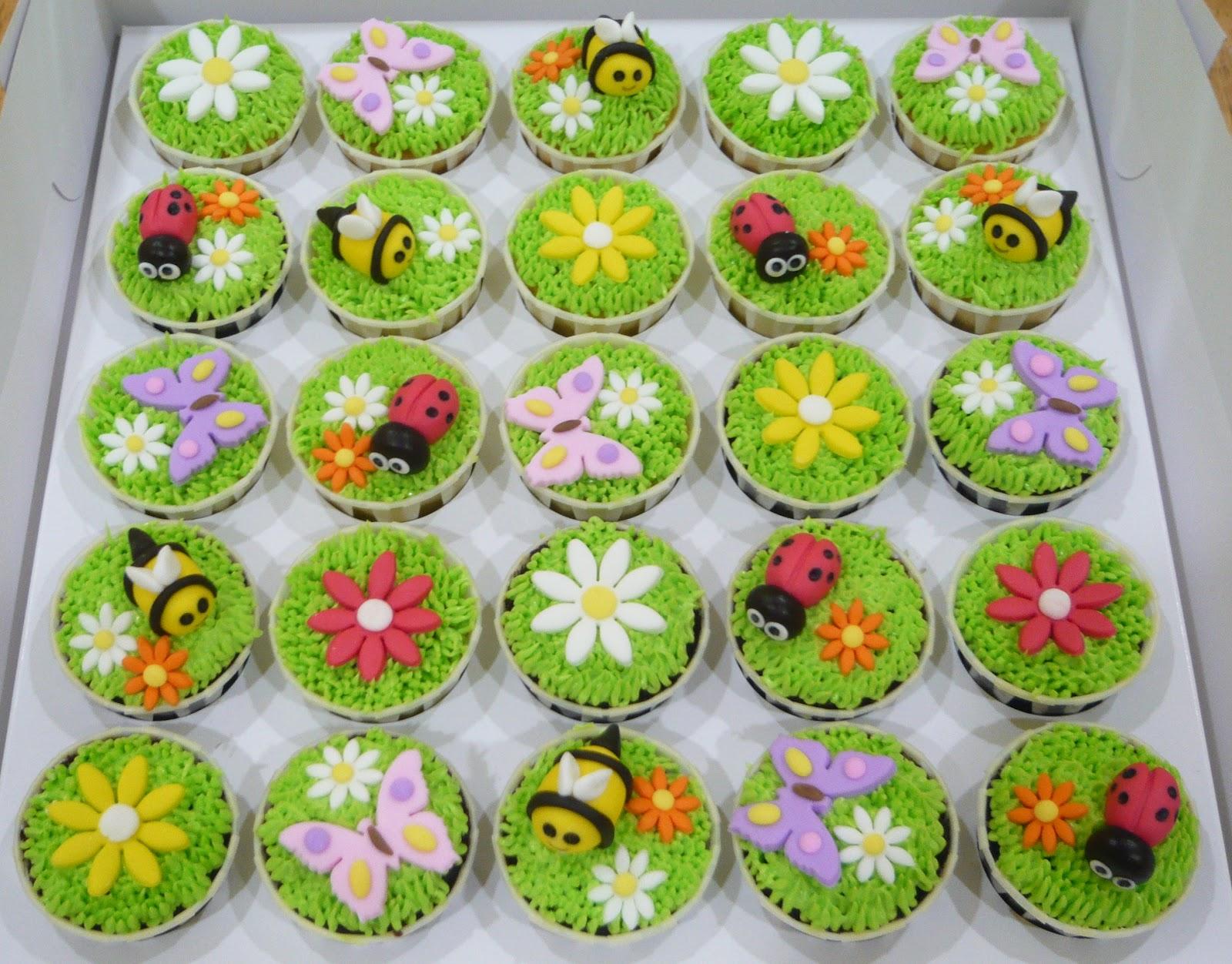 Jenn Cupcakes & Muffins: Garden themed Cupcakes