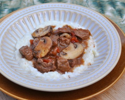 Beef & Mushroom Stew ~ classic recipe, flavor-packed gravy, great texture ~ Weight Watchers PointsPlus 6 ~ KitchenParade.com
