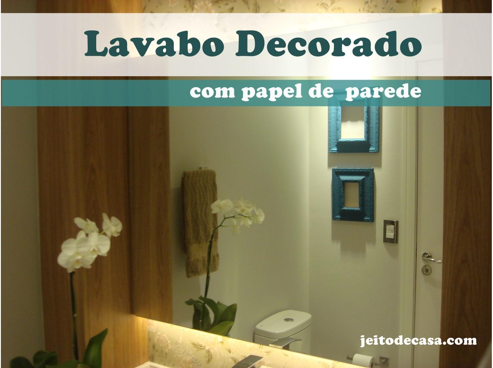 papel de parede:Lavabo decorado com papel de parede – Jeito de  #9B7430 1600 1195