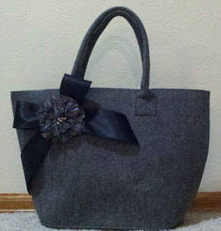 Large Felt Bag w/ grey flower