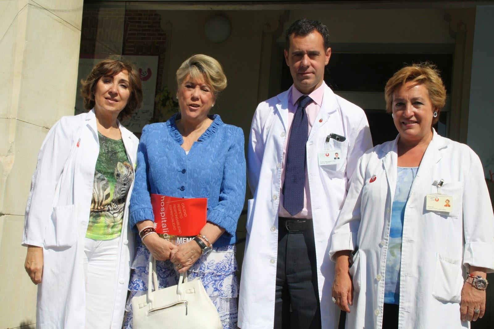 La Concejala de MOratalaz, Begoña Larrainzar, con los responsables de la Fundación Isntituto San José.