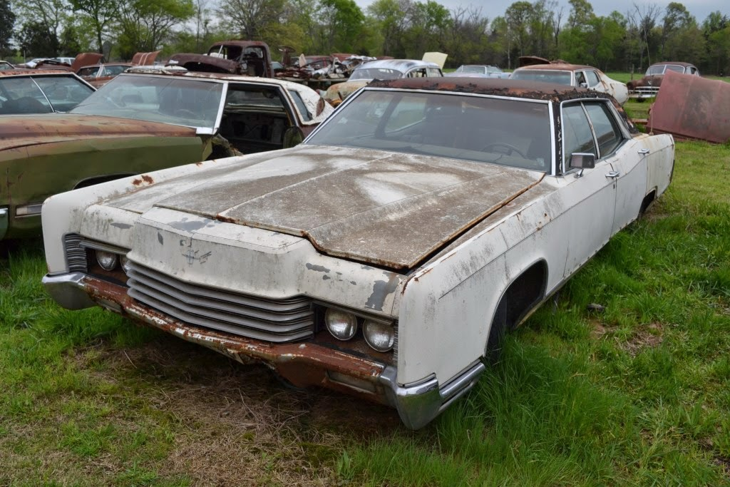 1964 lincoln continental lincolns continentals at the salvage yard part 3. Black Bedroom Furniture Sets. Home Design Ideas