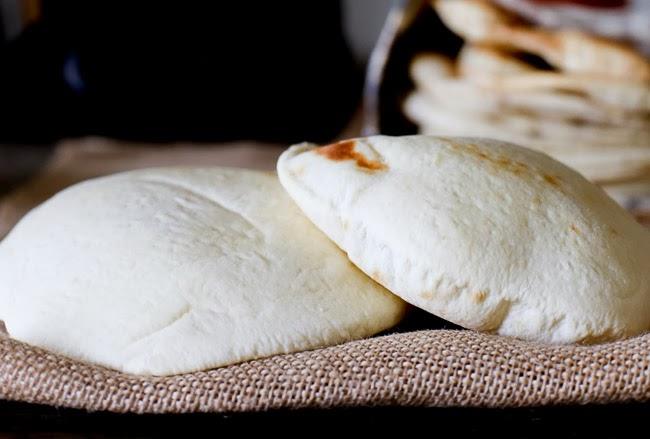 FashionEdible: HOW TO MAKE AND BAKE PITA BREAD
