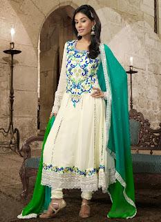 Celebrities+in+Indian+Designers+Anarkali+Salwar+Suits+2013003