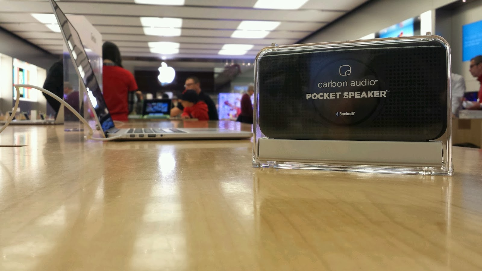 Speaker in apple store #PocketBoom, #shop, #cbias