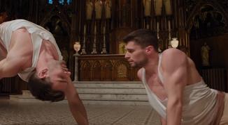 """Cât să ne mai rabde Dumnezeu? """"Biserica"""" din Montreal, scenă de dans erotic pentru homosexuali..."""