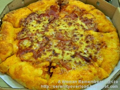 Pizza Hut, Pizza Hut Hand Stretched Pizza, Pizza Hut Pepperoni