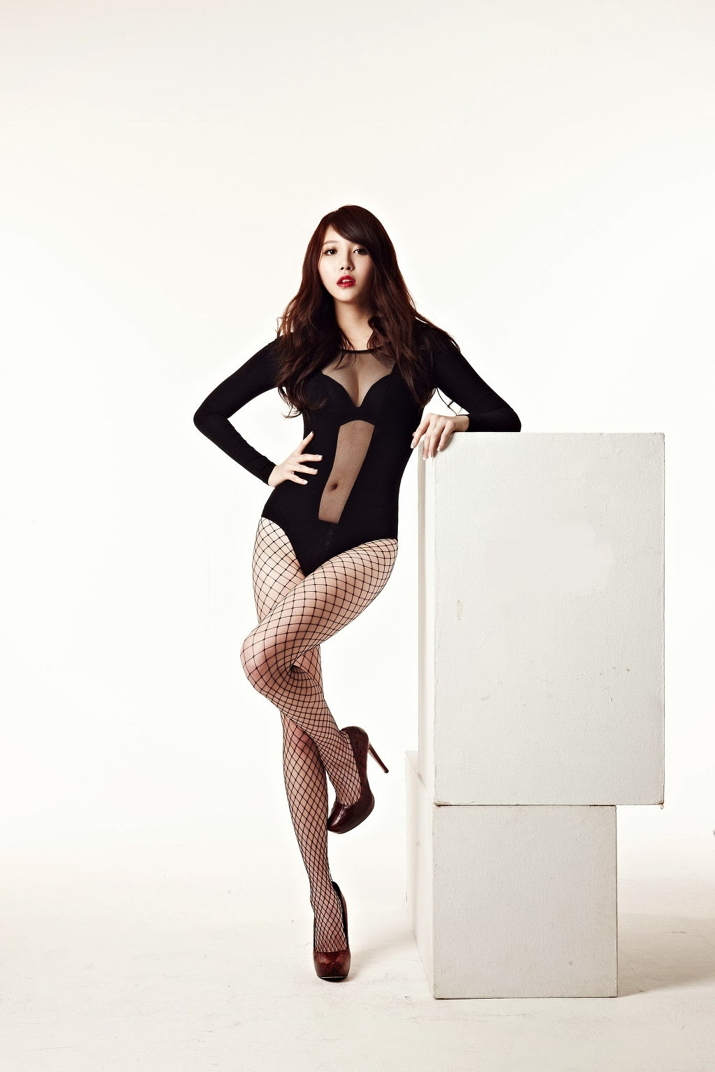 Korea Seksi : Yura Girls' Day Dengan Swimsuit Tembus Pandang