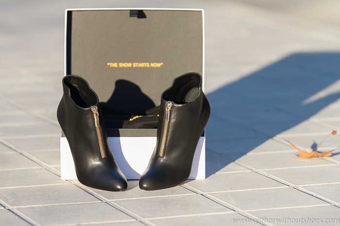 Nuevos botines de tacon negros con cremallera dorada de la marca española de lujo Ed & WIll