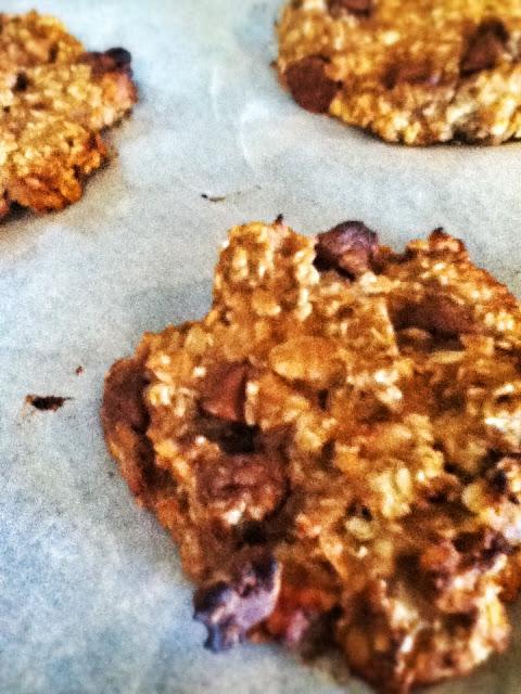 Banana Oat PB Cookies
