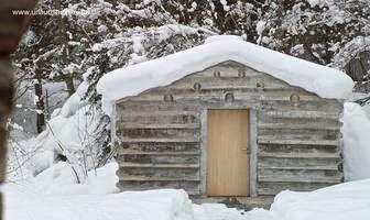 Cabaña suiza de troncos moldeados en concreto