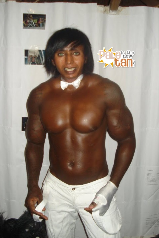 Pale Is The New Tan: Some more new Brazilian Synthol Guy pics!