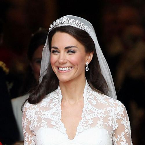 Bride in dream bridal tiara