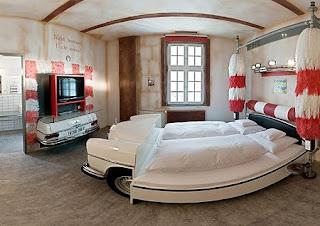 Muebles con Autos Reciclados, Habitacion