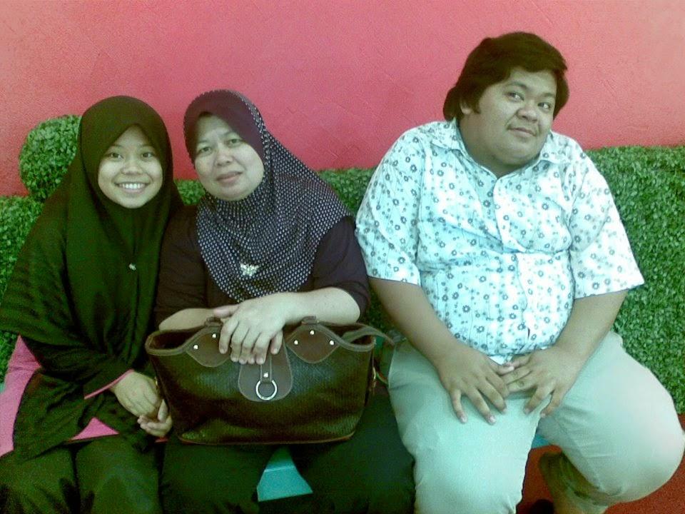 Mama dan Abang Boboy