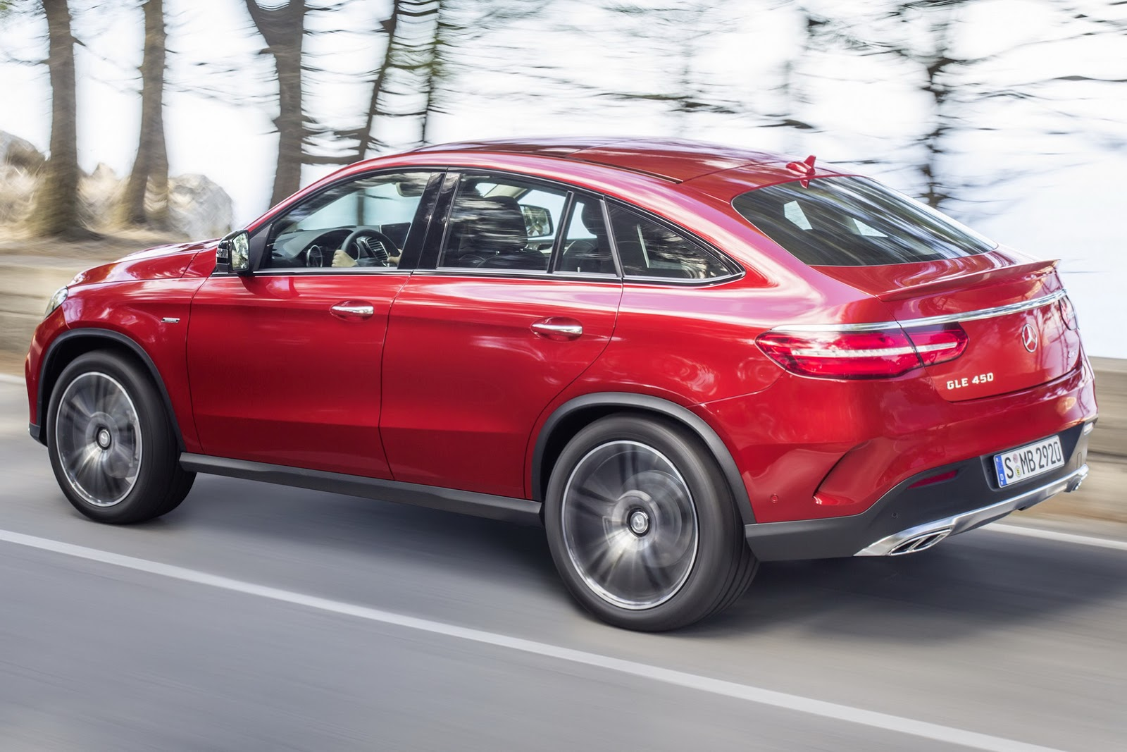 New gle coupe is mercedes 39 solution to its bmw x6 problem for 2014 mercedes benz gle 350