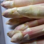 Asperges sauce vinaigrette aux oeufs façon mimosa