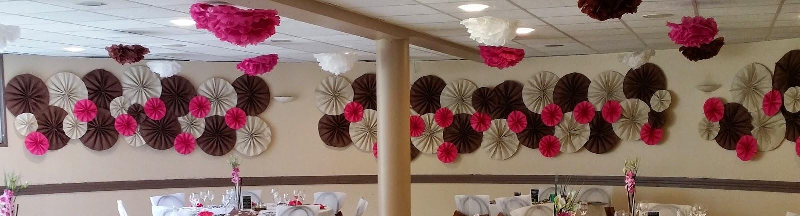 une trentenaire cr a 39 ctive diy d coration murale en rosaces de papier peint. Black Bedroom Furniture Sets. Home Design Ideas