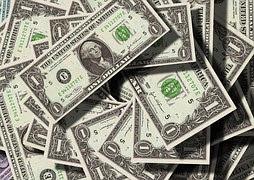 uang dollar hasil pekerjaan dengan gaji tertinggi