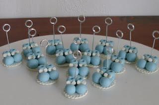 Souvenirs de nacimiento con portamensaje, realizados en porcelana
