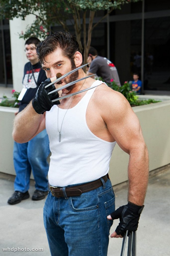 Welcome to Cosplay: Wolverine Costumes Bringing Out the X ...