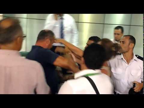 Гиды подрались с туристами из России в аэропорту Шарм-эль-Шейха, Египет
