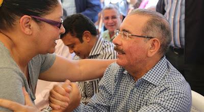 """Danilo Medina: """"Estamos democratizando el financiamiento para que llegue a todos"""""""