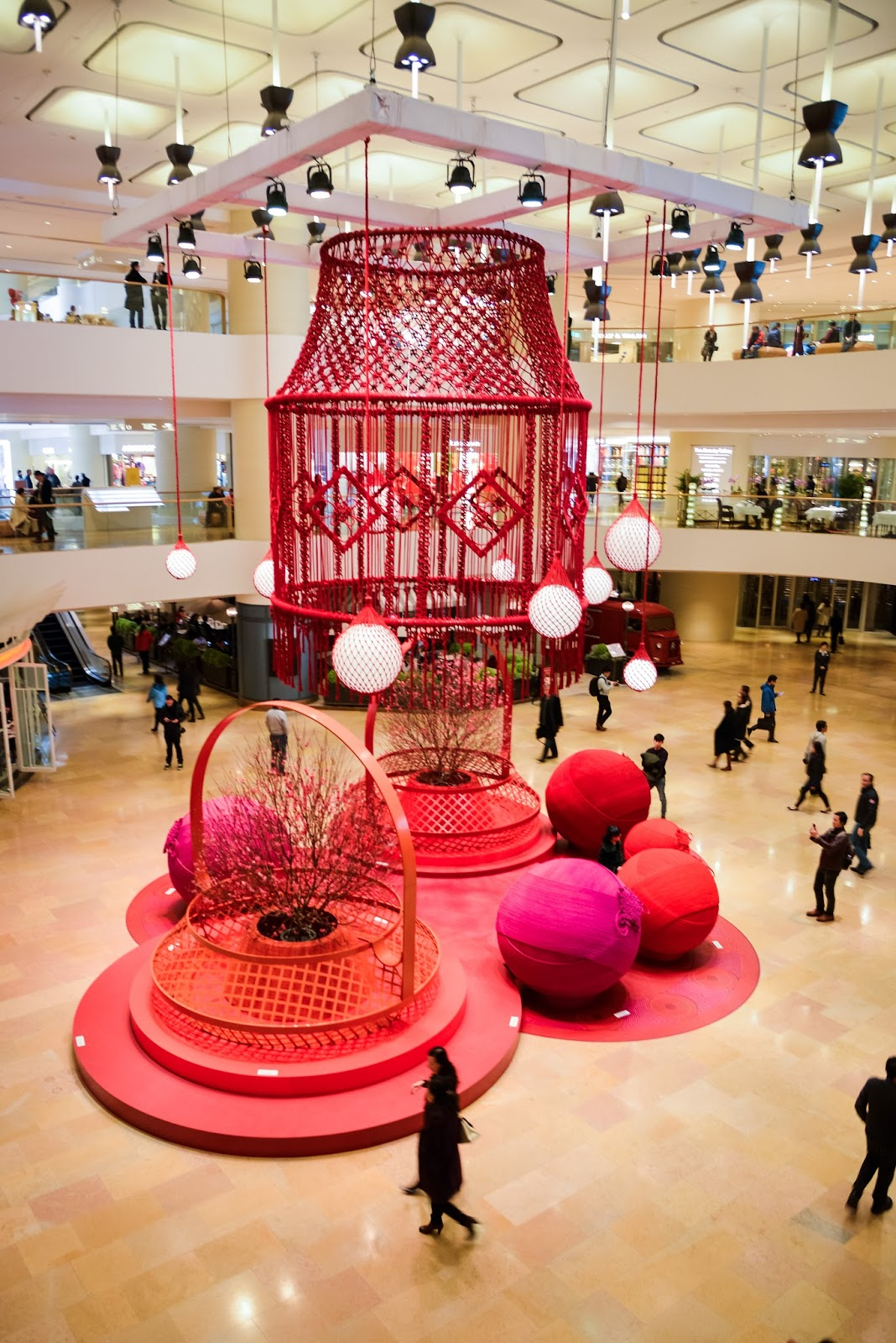 giant macrame chandelier installation Pacific Place Hong Kong – Giant Chandeliers