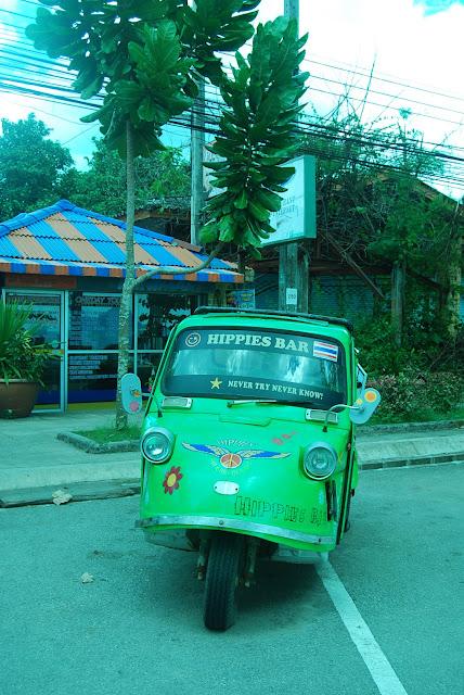 Хиппимобиль на Краби, Таиланд. Hippy car in Krabi, Thailand.
