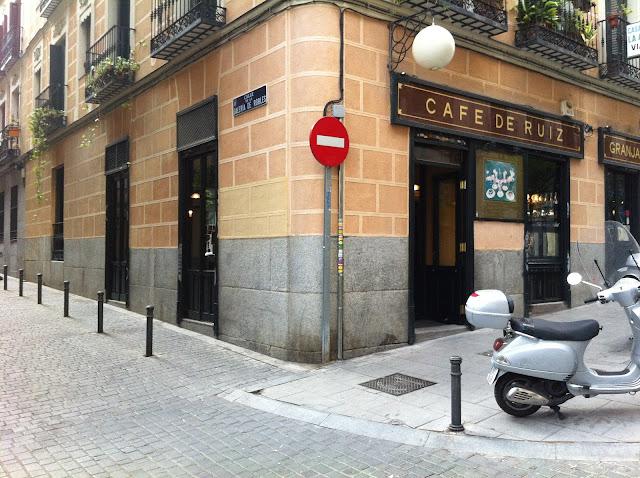 Café de Ruiz, exterior