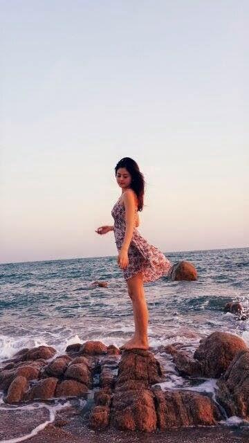 Người đẹp Châu Dương đi tắm biển 2
