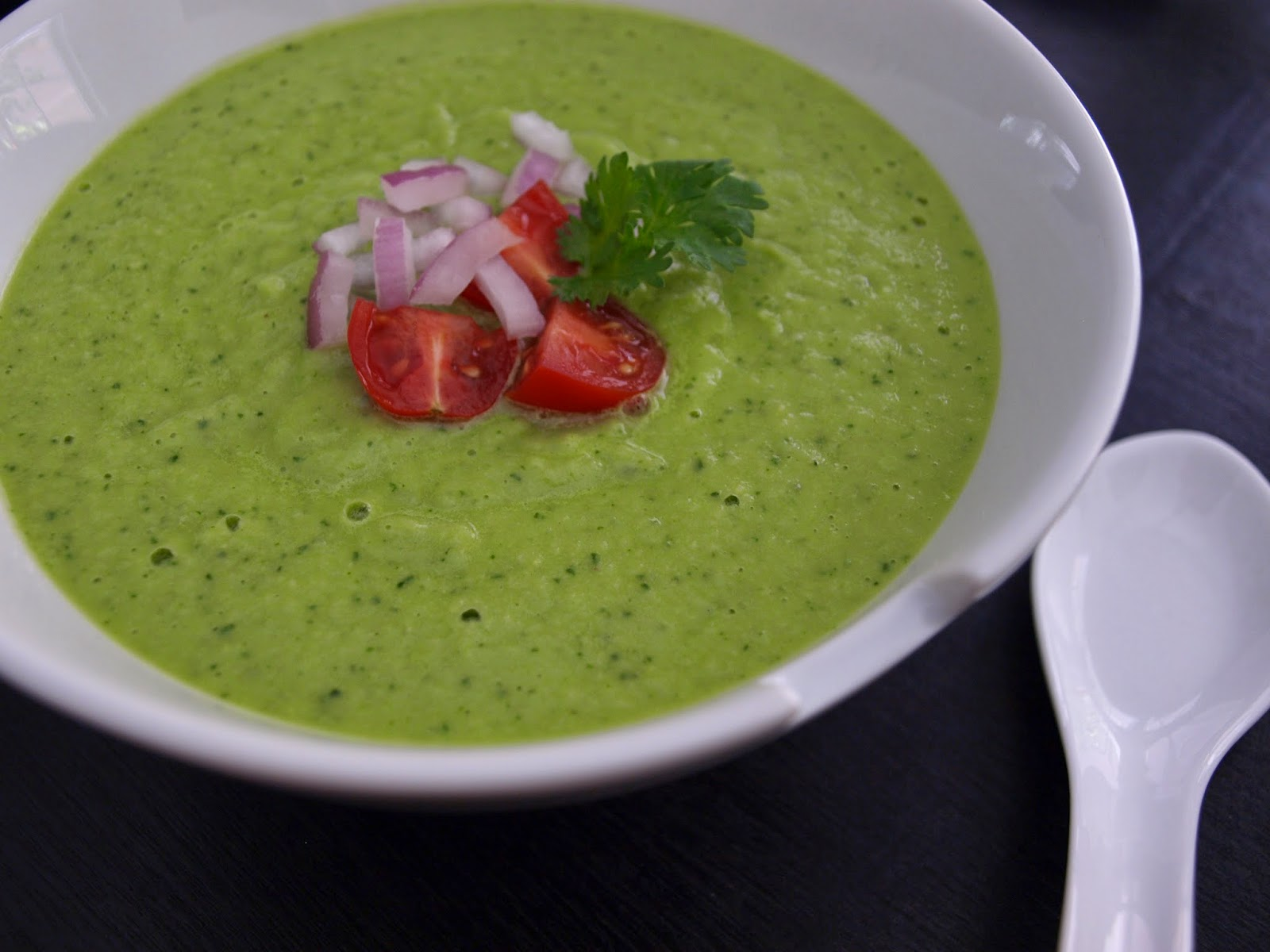 THE SIMPLE VEGANISTA: Avocado & Cucumber Soup