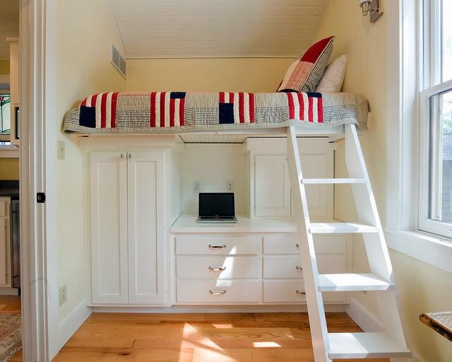 Łóżko pod sufitem (i to na szafie, biurku i regale) powinno się ...