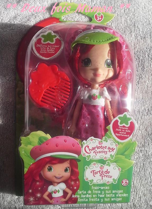 poupée charlotte aux fraises