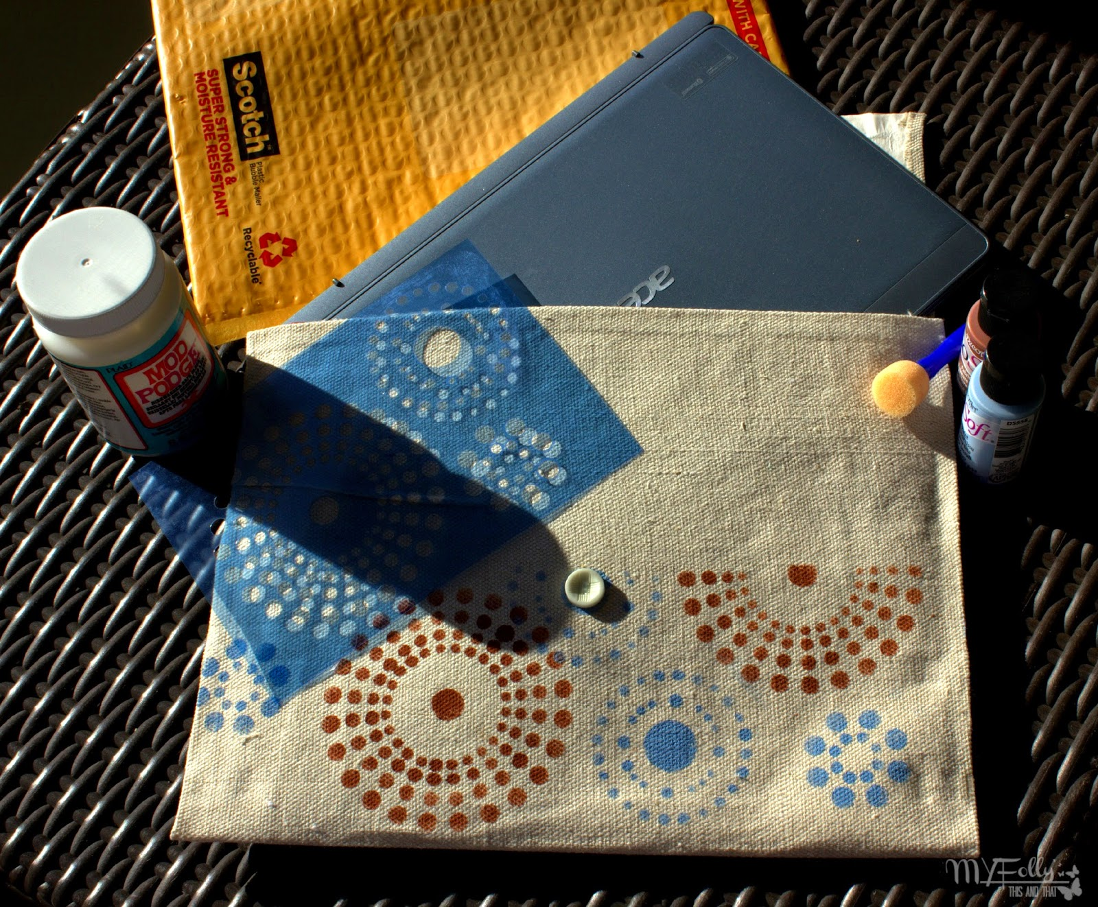 DIY Tablet Cover ~ No Sew/ This and That #DecoArt #ModPodge #fabricpaint #nosew