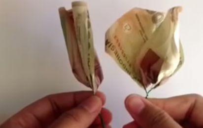 Gambar membuat lipatan bunga uang cantik