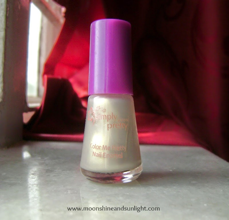 AVON simply pretty color me pretty nail enamel in Pearl white (NE30) swatches and review