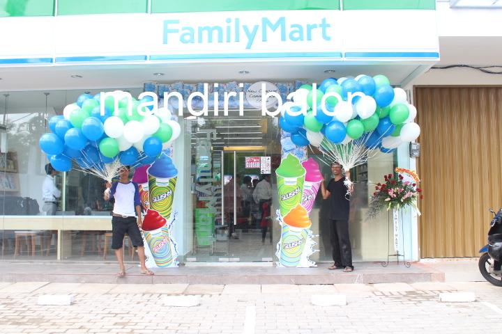 Balon Pelepasan FAMILY MART