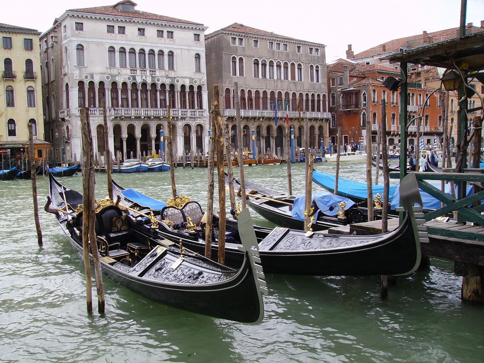 descriptive essay venice 122 writing venice: view paintings in grand tourist discourses on travel 49 13  canaletto  descriptive purposes in this document 11 giovanni antonio.