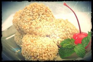 Kue Moci Kacang Wijen