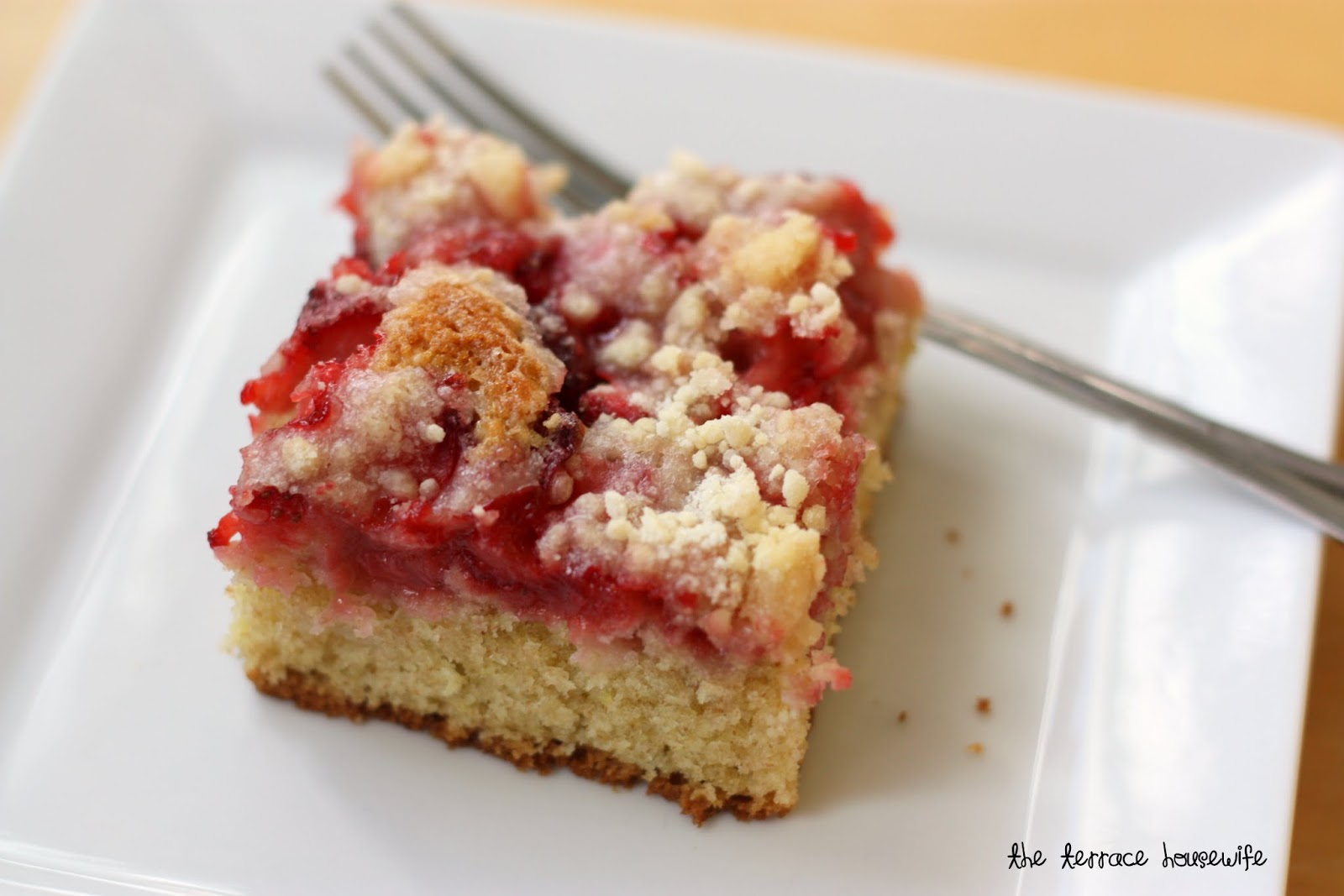 The Terrace Housewife: Strawberry Coffee Cake