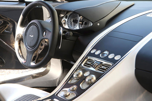 2010-Aston-Martin-One-77-Interior-front