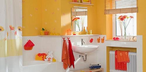 muebles y decoraci n de interiores instale en casa un ba o amarillo iluminado y alegre. Black Bedroom Furniture Sets. Home Design Ideas
