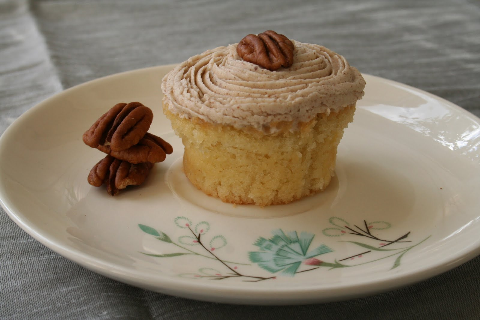 [Image: Pecan+Butter+Frosting+on+Butter+Cupcake.jpg]