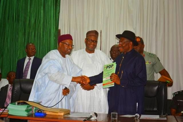 Photos: President Goodluck Jonathan picks up PDP Nomination form