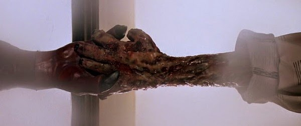 The obsidian mirror il signore del male - Regalare uno specchio porta male ...